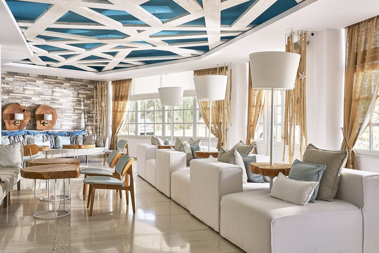 Kythnos Bay Hotel