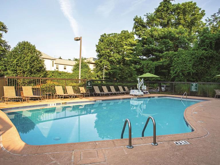 La Quinta Inn & Suites by Wyndham Baltimore N / White Marsh