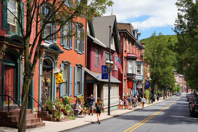 View of the historic town of Jim Thorpe_2CF9N9P