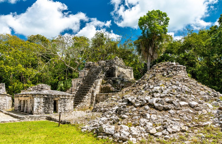 Ancient Mayan Pyramid at Muyil in Quintana Roo_TAMAXP