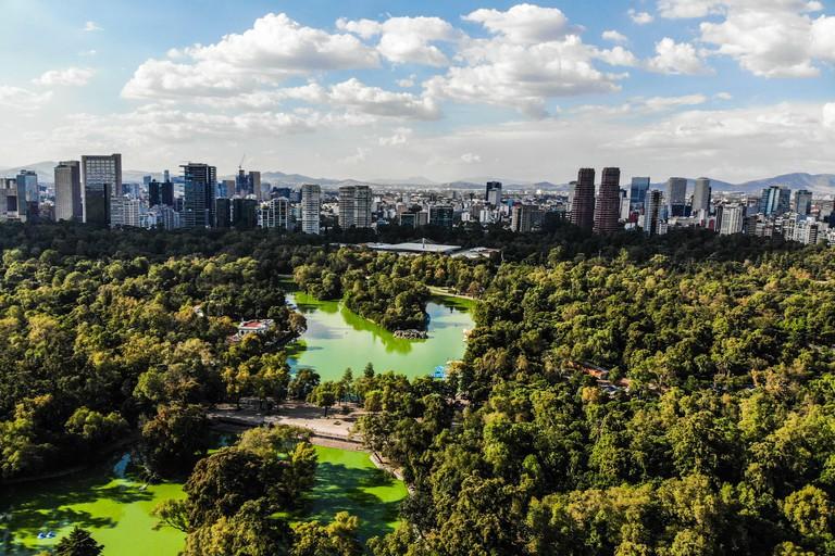 aerial view forest of Chapultepec. urban park in Mexico City. (Photo: Luis Gutierrez / NortePhoto.com). vista aerea del bosque de Chapultepec. pa