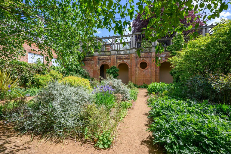 Hampstead Pergola Garden, London