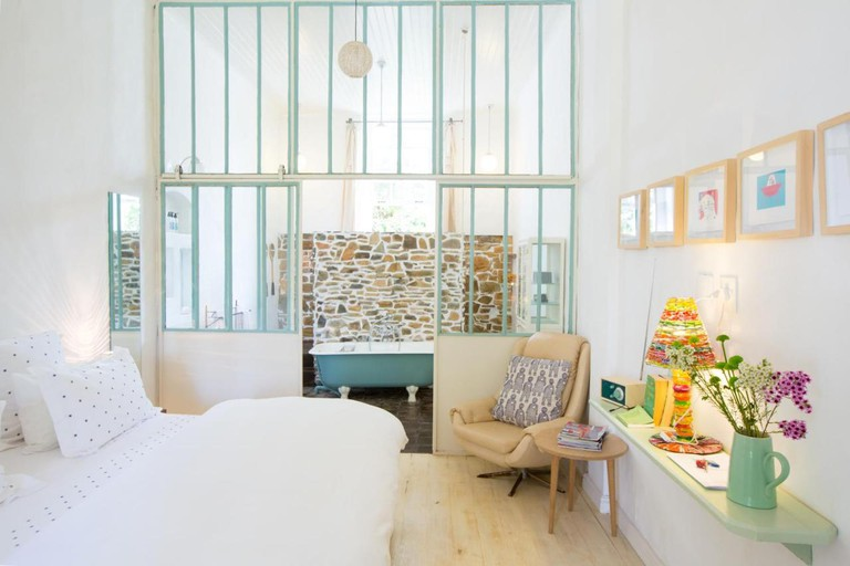 La Grenadine bedroom interior