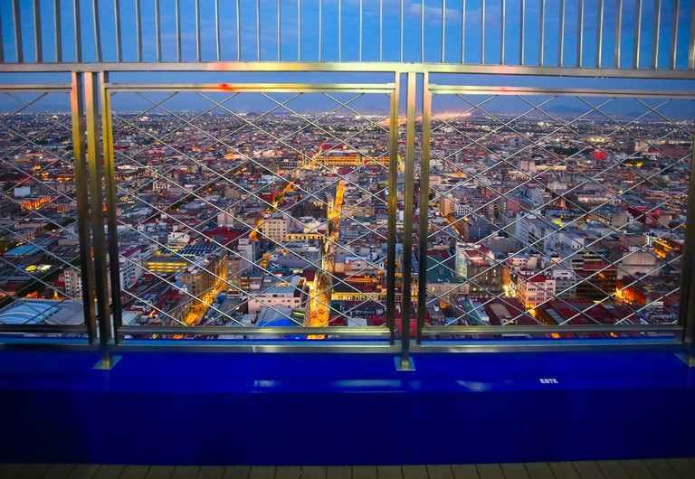 2A6MGHM Panoramic view of Mexico City from the observation deck at the top of Latin American Tower (Torre Latinoamericana)