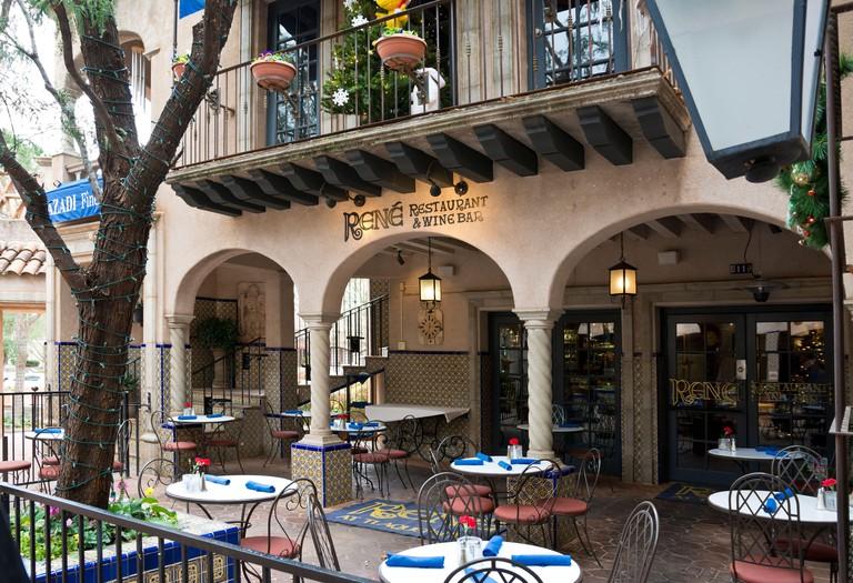 2AJP68N Sedona, Arizona: Rene Restaurant & Wine Bar in Tlaquepaque Arts & Shopping Village.