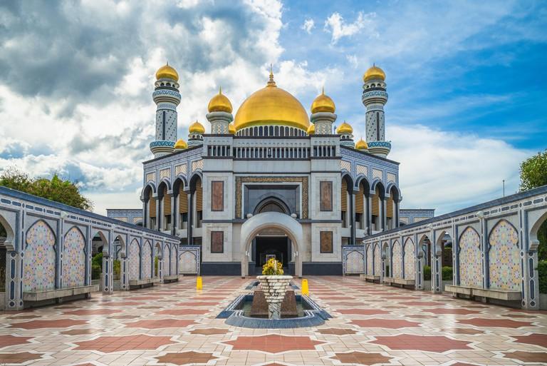2AX5TD2 Jame Asr Hassanil Bolkiah Mosque in Brunei