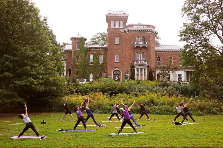 Outdoors yoga class in Prospect Park Brooklyn NYC