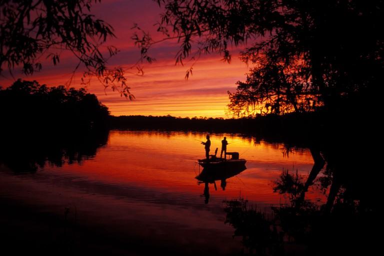 North America, USA, Florida, Suwanee River and fishermen
