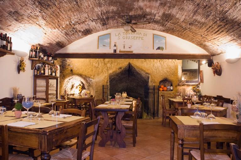 Laid tables in La Taverna di San Giuseppe