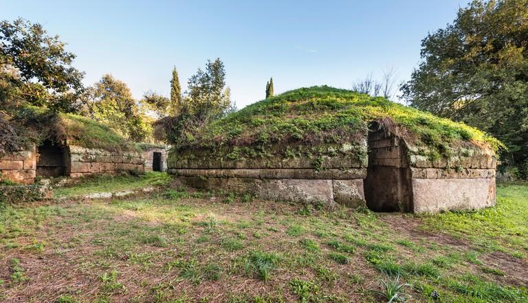 Tomba, tumulus mounds, Etruscan Necropolis, necropolis Banditaccia, UNESCO World Heritage Site - ECA46N