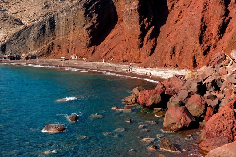 Griechenland, Kykladen, Santorini, Akrotiri, Red Beach,. Image shot 10/2010. Exact date unknown.
