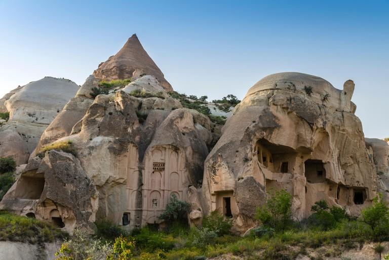 Typical fairy chimneys landscape in Rose Valley, Cappadocia, Turkey - ET1YEM