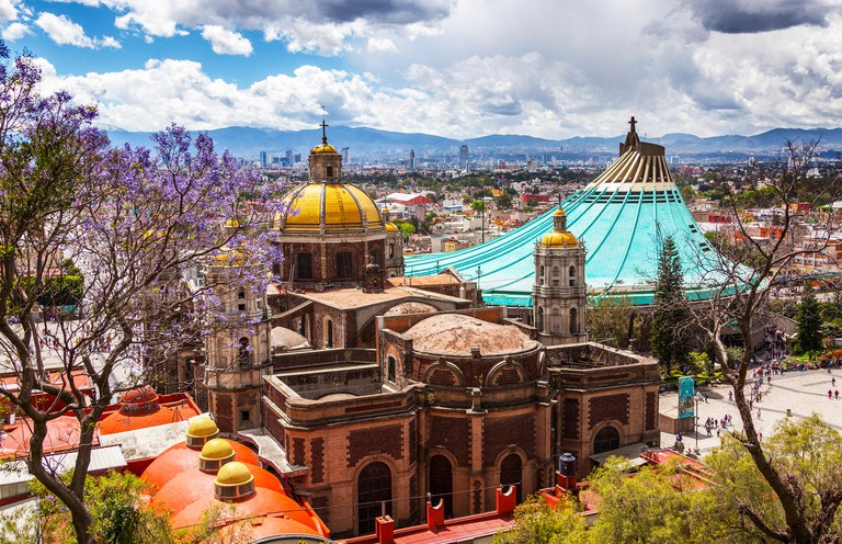 F22097 Old and modern Basilica de Nuestra Senora de Guadalupe Mexico City Federal District DF North America