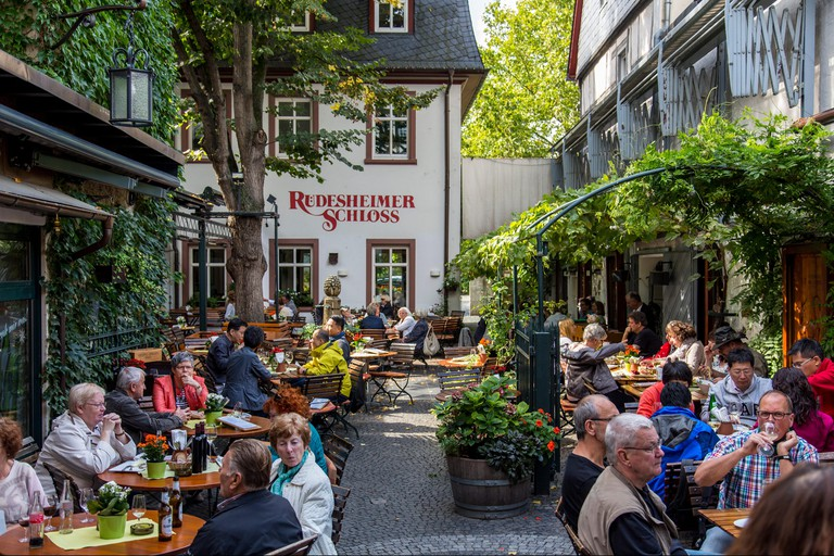 Rudesheim, favorite tourist destination in the Upper middle Rhine valley, wine village, famous old town, Drosselgasse, Germany