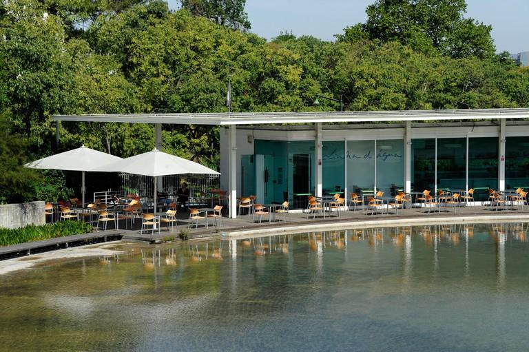 Linha d'Agua bar restaurant, Jardim Amalia Rodrigues, garden, Lisboa, Lisbon, Portugal
