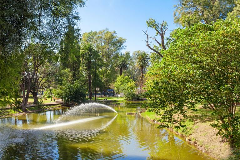 Sarmiento Park is the largest public park in Cordoba, Argentina - KWX3HT