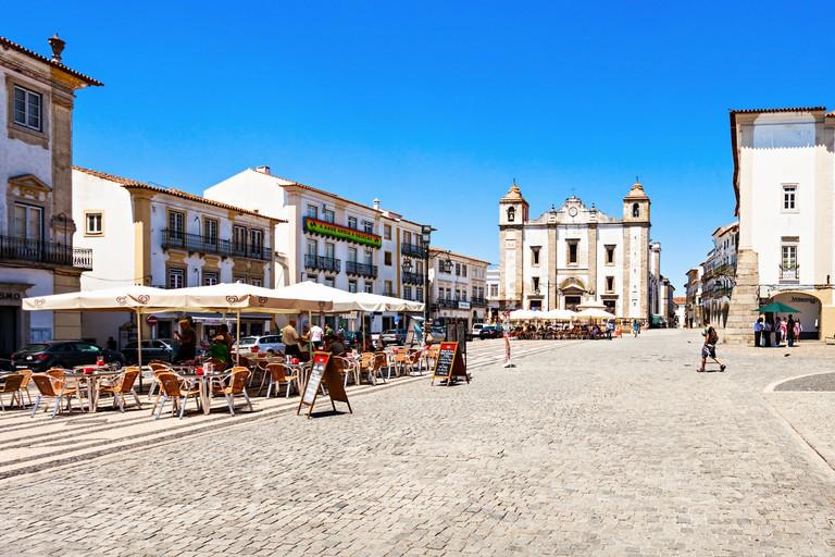 EVORA, PORTUGAL - JULY 15: Giraldo Square (Praca do Giraldo) is located in the city center on July 15, 2014 in Evora, Portugal