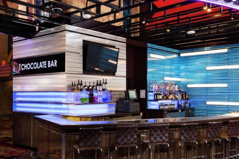 new-york-new-york-bar-chocolate-bar-v1.tif.image.2880.1100.high