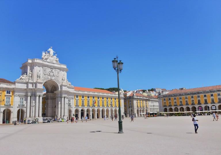 The Praça do Comércio in Lisbon. reiseuhu-3d8nSKrMcJI-unsplash