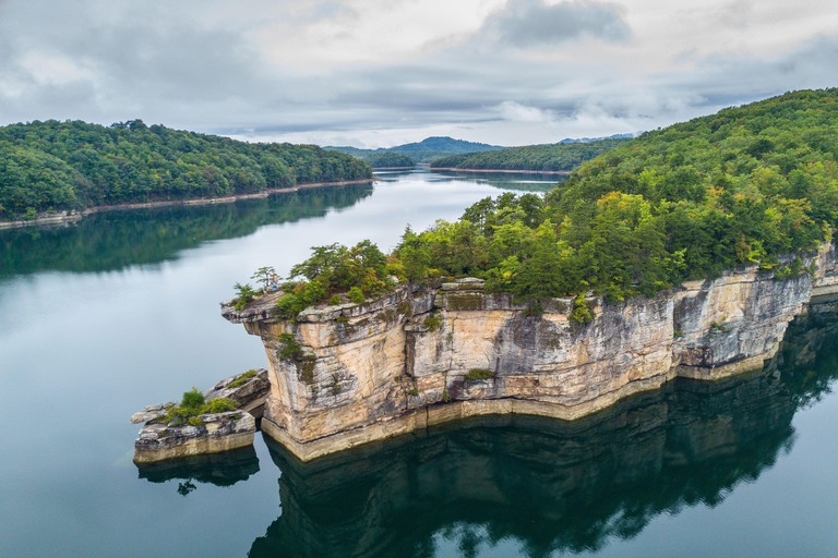 Rocky Point on Summersville Lake, West Virginia, United States of America, North America