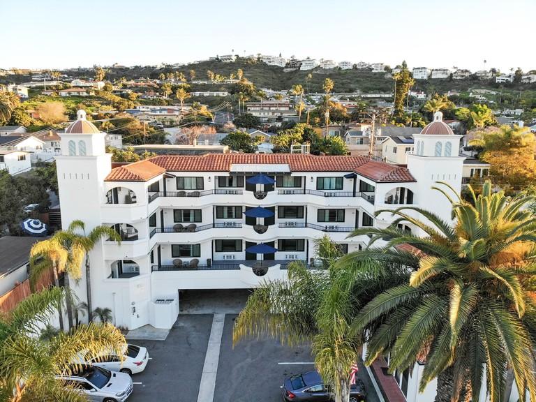 The Surfbreak Hotel