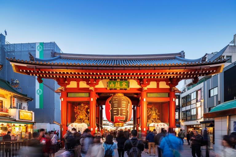 WH9CEH Kaminarimon main gate, Sensoji Temple, Asakusa, Tokyo, Japan, Asia