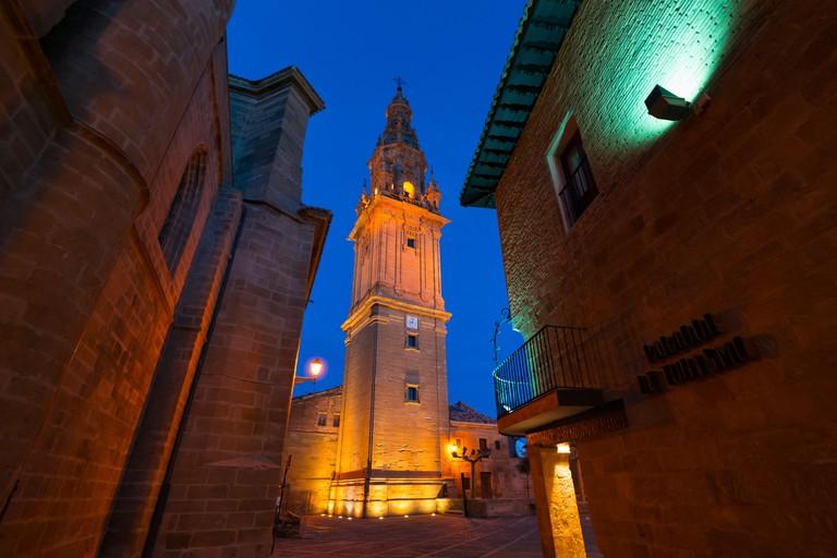 2AY0XNC Bell Tower, Old Hospital, Parador de Turismo, Square of the Saint, Santo Domingo Cathedral, Santo Domingo de la Calzada, La Rioja, Spain, Europe, The Way of St James