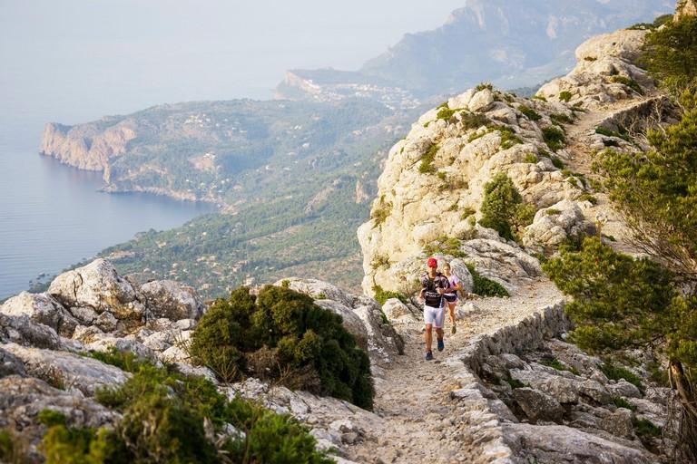 2CYWJ64 Carrera de montana . Cami de l'Arxiduc. Valldemosa.Sierra de Tramuntana.Mallorca.Islas Baleares. Espana