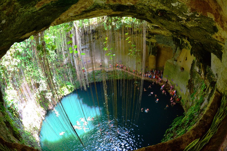 MEXICO. STATE OF YUCATAN. THE CENOTE OF ZACI IS ONE OF THE DEEPEST AND ONE OF THE MOST FAMOUS OF YUCATAN.