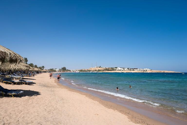 Naama Bay Beach, Sharm el-Sheikh, Red Sea Coast, South Sinai, Egypt. Image shot 05/2008. Exact date unknown.