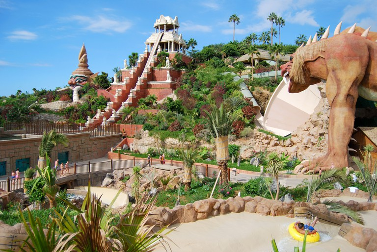 Tower of Power ride, Siam Park Water Kingdom Theme Park, Costa Adeje, Tenerife, Canary Islands, Spain. Image shot 2008. Exact date unknown.