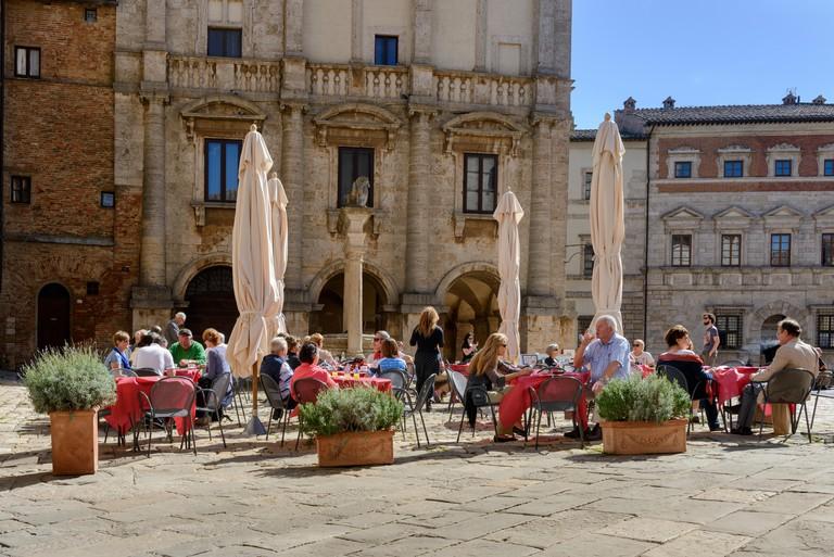 E8H573 Restaurant in Piazza Grande Montepulciano