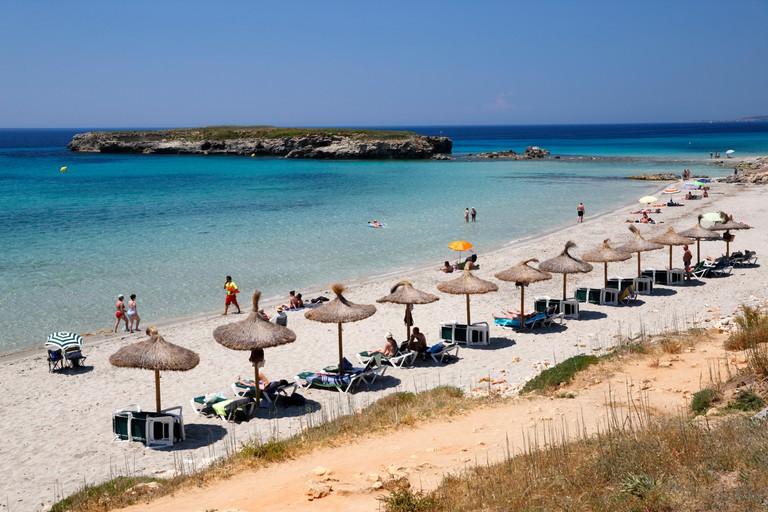 F0E342 Platja de Sant Tomas (Sant Tomas beach), Sant Tomas, South Coast, Menorca, Balearic Islands, Spain, Europe