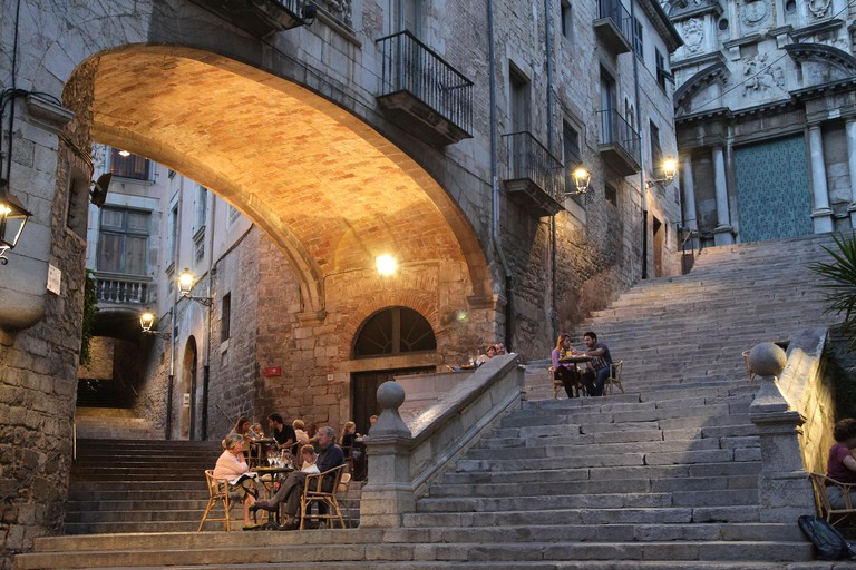 F5CT1A The Romantic Steps of Sant Marti Girona Catalonia Spain.Cafe Le Bistrot and the steps of Sant Marti considered the most romantic spot in Spain