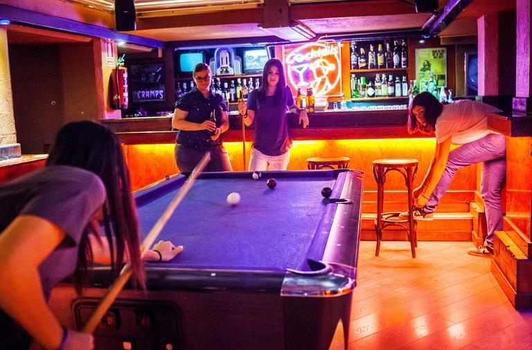 La Via Lactea Pub Bar, Calle de Velarde 18. Malasana quarter. Madrid, Spain - FJX6TG