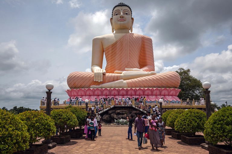 Sitting Buddha statue, Kande Viharaya Temple