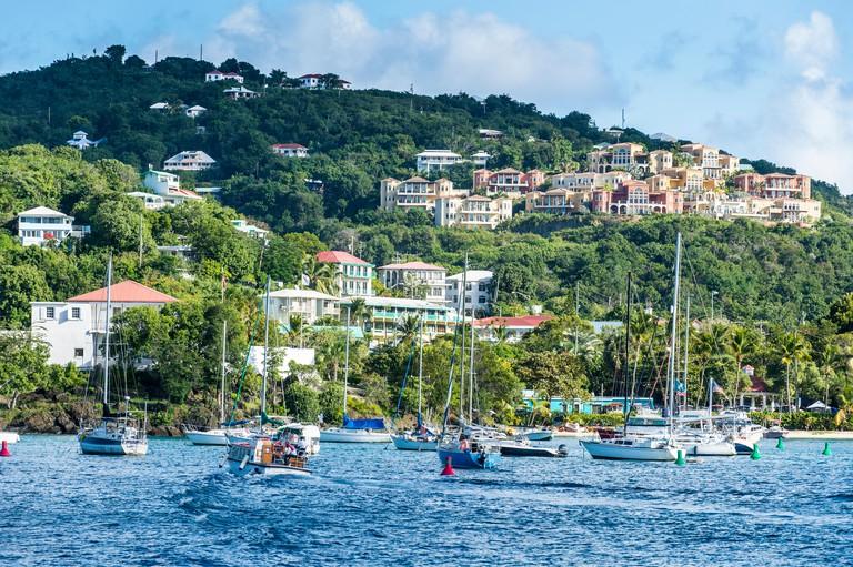 J4ENKR Sailing boats in Cruz Bay, St. John, Virgin Islands National Park, US Virgin Islands, West Indies, Caribbean, Central America