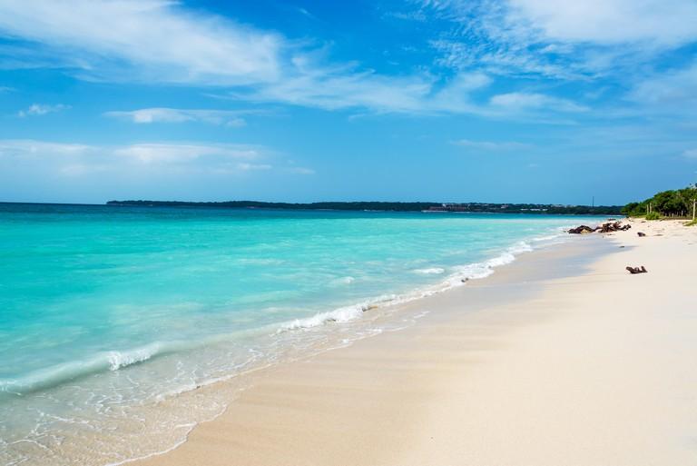 JAYJEA Stunning turquoise Caribbean water at Playa Blanca near Cartagena, Colombia