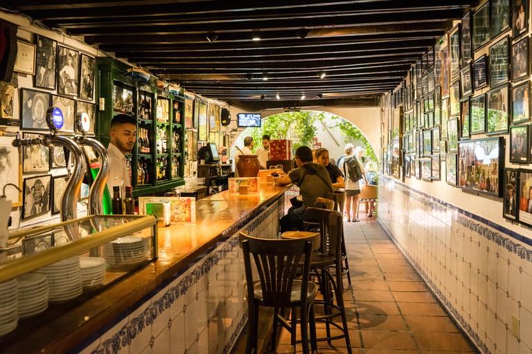 JPKP2M The renowned Bodegas el Pimpi in Malaga City
