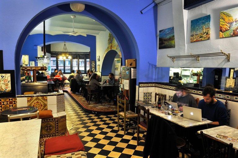 La Terra cafe-restaurant in Ballesteries street, Girona, Catalonia, Spain, Europe.
