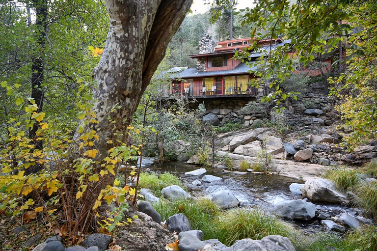 Sycamore-house-Forest-House-Resort-Sedona-Exterior-Creekside