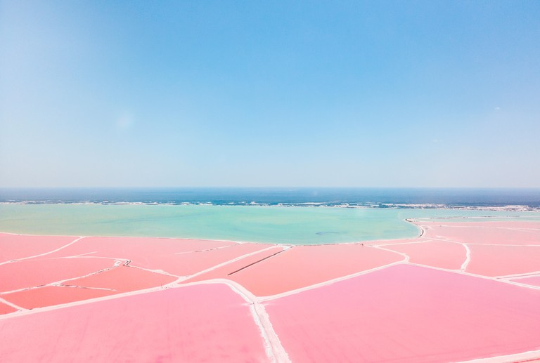 Mexiko, Yucatan, Las Coloradas, Pink Lake salt lake