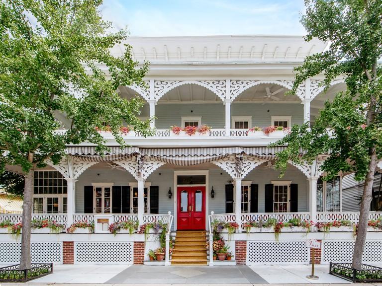Virginia Hotel & Cottages