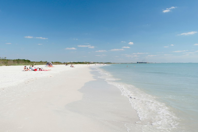 USA. Florida. Fort Myers beach, Lovers Key State Park. The beach. Tourists.