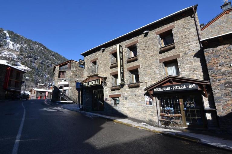 127810116 - Hotel Micolau