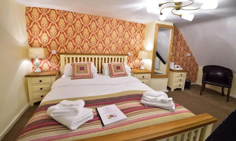 454e0faf - The Royal Victoria & Bull Hotel