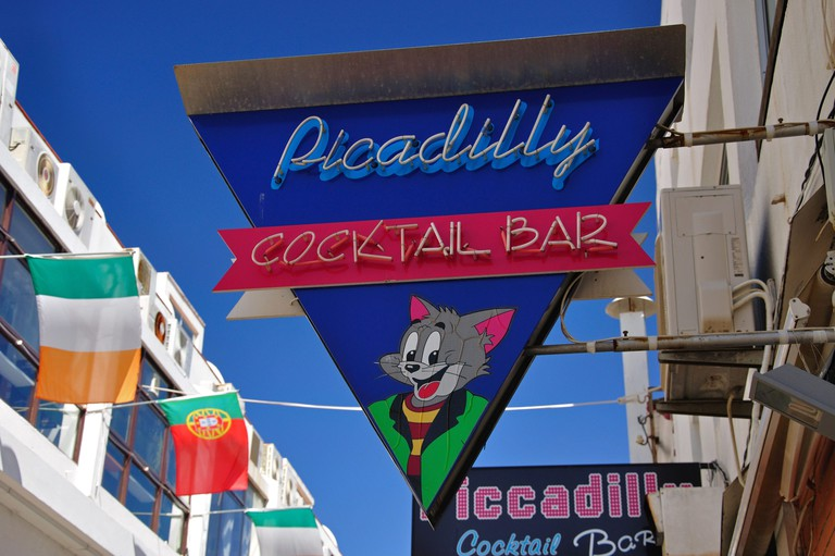 Piccadilly Cocktail Bar neon sign, Candido des Reis, Albufeira, Albufeira Municipality, Algarve Region, Portugal. Image shot 2011. Exact date unknown.