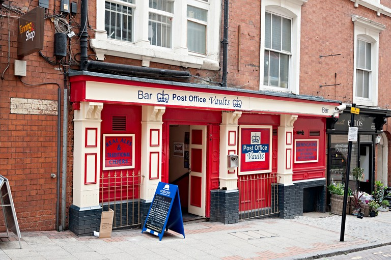 The post office vaults bar birmingham real ale and foreign beer pub new street