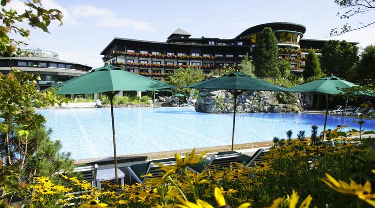 F084KG Swimming pool in Sonnenalp resort at Bavaria, Germany