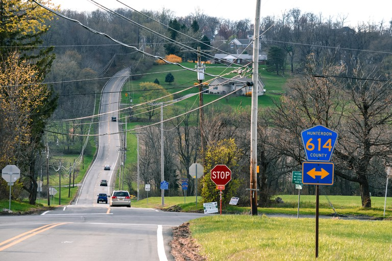 Halfway between Bloomsbury and Pittstown NJ, takes place a vertical shift on the road that can only be appreciated in a bigger picture.... One does not realize how high the road climbs in a very short distance without looking at it from this angle.